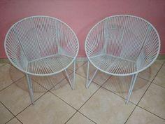 Cadeira feita em ferro maciço (estrutura) e tecida em espaguete (plástico). Fazemos a cor desejada!