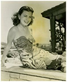 Faith DOMERGUE
