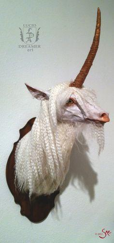 Unicorn head by digewiwaya