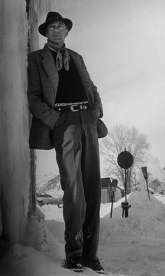 GARY COOPER in Aspen,Colorado Gary Cooper, Aspen Colorado, Figure It Out, Movie Stars, Famous People, Actors & Actresses, Skiing, Bunny, Celebrities