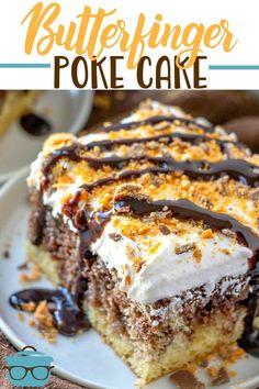 BUTTERFINGER POKE CAKE (+Video) - dessert #dessert Poke Cake Recipes, Poke Cakes, Dessert Recipes, Layer Cakes, Party Recipes, Mini Cakes, Cupcake Cakes, Cupcakes, Cake Cookies