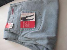 Women's Size 18 Gloria Vanderbilt Amanda Classic Tapered Jeans  #GloriaVanderbilt #CLASSIC