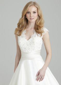 Vestido de Noiva 2558 | Collection | Noivas | BLACK TIE ::