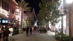 Linq Promenade Street