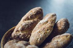 Der Duft von selbst gebackenem Brot, das frisch aus dem Ofen kommt - was gibt es Schöneres!  Brot-Rezepte von Alemannenlaib  bis Country-Brot , von leckeren Floriansbrot bis wohlschmeckendem Honigvollkornbrot . So macht Brot selber Backen Spaß!  Hier gehts zu den Rezepten : www.back-dein-brot-selber.de
