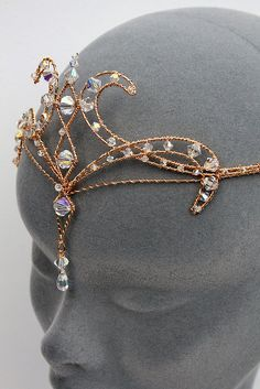 Diamanten Diadem Source by ideas anime Cute Jewelry, Hair Jewelry, Jewelry Accessories, Bridal Jewelry, Fantasy Princess, Magical Jewelry, Circlet, Fantasy Dress, Fantasy Jewelry