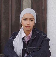 Modest Fashion Hijab, Muslim Fashion, Skirt Fashion, Hijab Turban Style, Mode Turban, Hair Wrap Scarf, Simple Hijab, Head Scarf Styles, Winter Fashion Outfits