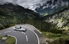 Aston Martin DB5 - Mountain road