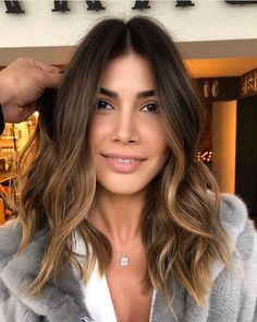 36 Hair Color Ideas For Brunettes Brown Hair Balayage, Ombre Hair, Medium Hair Styles, Curly Hair Styles, Gorgeous Hair Color, Hair Color And Cut, Hair Day, Hair Looks, Pretty Hairstyles