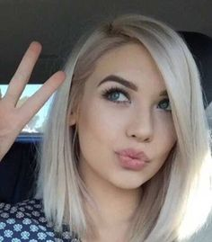 short hair-short hair cuts for women-short hair styles-short hair cuts- platinum blonde hair- dark roots- white hair Pretty Hairstyles, Bob Hairstyles, Bob Haircuts, Hairstyle Ideas, Straight Haircuts, Wedding Hairstyles, Summer Hairstyles, Hairstyles For Fine Hair, Short Straight Bob