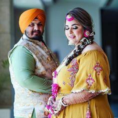 We Can't Stop Admiring this Plus-size Bride's Inspirational Wedding Looks! Indian Wedding Mehndi, Sikh Wedding, Punjabi Wedding, Boho Wedding, Farm Wedding, Wedding Couples, Wedding Reception, Sikh Bride, Punjabi Bride