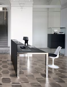 #SmartHall Reception Desk By #GallottiRadice #office #furniture  #stainlesssteel #glass See
