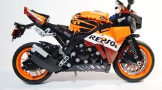 LEGO TECHNIC MOTORCYCLES: HONDA REPSOL CBR1000RR by Oryx Chen