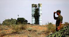 Los militares rusos han desplegado el sistema antiaéreo de misiles S-400 en la base Hmeymim, ubicada en Siria.