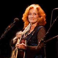 Another great read http://www.thecountryblues.com/artist-reviews/bonnie-raitt/