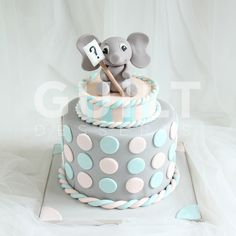 Gender Reveal - Cake by Guilt Desserts