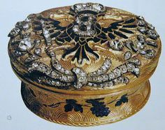 A snuff box with the monogram of either Catherine the Great or the Empress Yelisaveta of Russia.