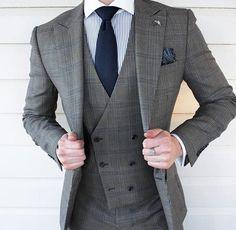 Mens Fashion Suits, Mens Suits, Fashion Outfits, Grey Suit Combinations, Men Dress Up, Designer Suits For Men, Suit Shoes, Smart Outfit, Three Piece Suit