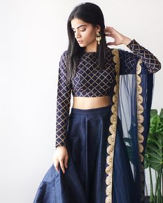 indian fashion Sari -- Click Visit link to see Saris, Indian Gowns Dresses, Pakistani Dresses, Indian Wedding Outfits, Indian Outfits, Wedding Dresses, Indian Attire, Indian Wear, Diwali Outfits