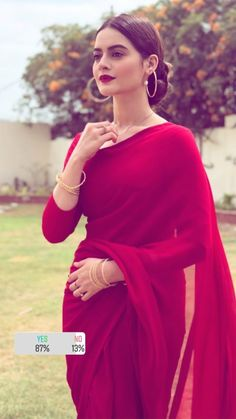 I want a saree like this and wear it like this with tese type of jewelleries ? I want a saree like this and wear it like this with tese type of jewelleries ? Pakistani Dresses, Indian Dresses, Indian Outfits, Indian Sarees, Kurtis Indian, Indian Salwar Kameez, Indian Attire, Indian Ethnic Wear, Style Indien