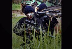 DENJAKA (Detasemen Jala Mengkara)  Menelusuri sejarah Detasemen Jala Mangkara (Denjaka), bermula pada 4 Nopember 1982, ketika KSAL membentuk organisasi tugas dengan nama Pasukan Khusus AL (Pasusla). Keberadaan Pasusla didesak oleh kebutuhan akan adanya pasukan khusus TNI AL guna menanggulangi segala bentuk ancaman aspek laut. Seperti terorisme, sabotase, dan ancaman lainnya.    Pada tahap pertama, direkrut 70 personel dari Intai Amfibi (Taifib) dan Pasukan Katak (Paska).
