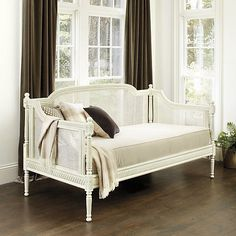 Louis Daybed