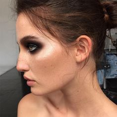 Makeup Highlighting Tips From Ania Milczarczyk : Elle