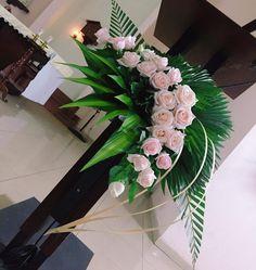 Hotel Flower Arrangements, Contemporary Flower Arrangements, Ikebana Arrangements, Altar Decorations, Flower Decorations, Wedding Decorations, Altar Flowers, Church Flowers, Flores Do Altar
