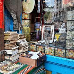 So vintage. So Kraków!  Kazimierz, Kraków 2016  #vintage #postcard #books #instadaily #instagood #urban #city #jewish #culture #krakow #kazimierz #poland #polskajestpiekna #europe #interior #window #retro #tuesday #traveling #malopolskatogo #pocztowkazpolski #super_polska
