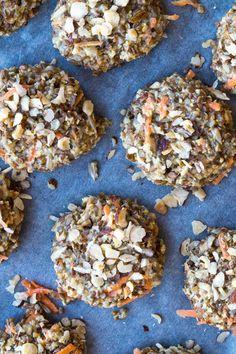 Rugstykker uden mel - grove boller med rugkerner - Stinna A Food, Food And Drink, Bread And Pastries, Butter, Lchf, Paleo, Healthy Recipes, Cereal, Baking