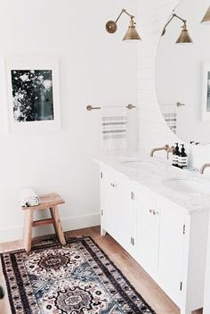 Bathroom Mirror Ideas - This bathroom looks absolutely amazing! I love the double vanity, gold light fixture and that rug.so many great bathroom ideas - I think I could even do this bathroom on a budget! Bathroom Renos, Budget Bathroom, Bathroom Interior, Bathroom Ideas, Bathroom Inspo, Bohemian Bathroom, Bathroom Vintage, Bathroom Designs, Warm Bathroom