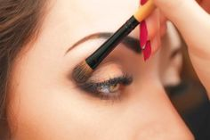 7 Simple Makeup Tips to Make Your Eyes Pop (Reader's Digest--good sources). Here's how to apply your eye makeup to make your eyes look big, bold, and gorgeous!