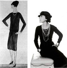 Il tubino fu inventato nel 1926 dalla stilista Coco Chanel col nome di Petite robe noire (vestitino nero), e con l'intenzione di creare un abito adatto per qualunque occasione. La popolarità del capo aumentò negli anni sessanta dopo che Audrey Hepburn lo  indossò nel celebre film Colazione da Tiffany. Il modello indossato dalla Hepburn è stato venduto all'asta da Christie's per 410.000 sterline nel 2006.