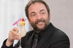Crowley Supernatural, Sam Winchester, Winchester Brothers, Mark Sheppard, Hey Man, Super Natural, Crazy People, Superwholock, Fandoms