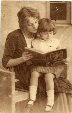 ¡Preciosa foto!. Publicado por Julia Navarro  #fomentodelalectura #lectura #niños