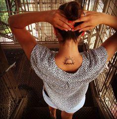 #eiffeltower #effeltower #eiffelturm #toureiffel #paris #hotsummer #hot #summer #inkedgirl #inked #undermyskin #tattooedgirls #tattooed #tattoo #writtenon #sunandsea #sun #sunset #dekoelecosta #orangenails #high #intheairtonight #overparis #skyline #holiday by lucijunker Eiffel_Tower #France