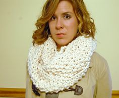 Free Knit Cowl Pattern (yeah it's not crochet but I love the look)