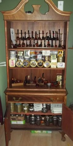 I am thinking about buying a pipe rack or cabinet. I don't want to display all of my pipes but would like a 6 to 10 pipe rack for resting pipes while I am. Tobacco Pipe Smoking, Cigar Smoking, Tobacco Pipes, Smoking Pipes, Cigars And Whiskey, Pipes And Cigars, Briar Pipe, Pipe Rack, Up In Smoke