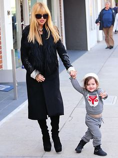 Mom-to-be Rachel Zoe takes a stroll with son Skyler, 2½, in Los Angeles on December 16, 2013.
