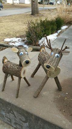 Xtra große Log Hirsche … 40 plus lbs.site Xtra big log deer … 40 plus lbs. Wood Log Crafts, Christmas Wood Crafts, Diy Wood Projects, Outdoor Christmas, Christmas Projects, Holiday Crafts, Christmas Ornaments, Clay Pot Projects, Christmas Porch
