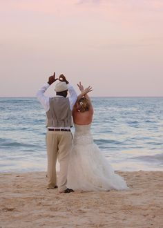 Beach wedding, sunset, tropical, wedding pictures