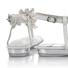 formal flat silver sandals for wedding | ... -sandals-buckle-top-quality-silver-wedding-shoes-2_650x650px.jpg