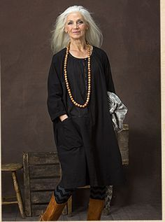 Best Clothing Styles For Women Over 50 - Fashion Trends Fashion Moda, Fashion Over 50, Look Fashion, Fashion Beauty, Fashion Trends, Mature Fashion, Older Women Fashion, Over 50 Womens Fashion, Stylish Older Women