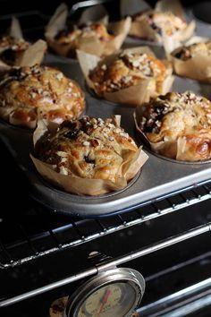 Havermout ontbijtmuffins met bramen en pecannoten