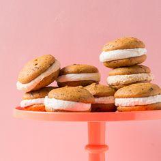 Piece of Cake: Pumpkin Chip Whoopie Pies | Oh Happy Day! | Bloglovin'