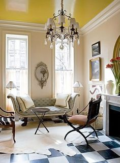 Love the glossy yellow ceiling and black and white floors Yellow Ceiling, Colored Ceiling, Ceiling Paint Colors, Ceiling Paint Ideas, Wall Colors, Checkered Floors, Interior And Exterior, Interior Design, Design Salon