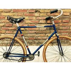 Another treasure for sale... . Rabeneick from 1955-The most popular bicycle for indoor cycling sports. . monsieurvelobcn@gmail.com .  #monsieurvelo #bikeshop #barcelona #lifestyle #rabeneick #1955 #vintage #vintagebike #oldbike #classicbike #collector #collection #steelframe #woodenrims #trackbike #fixie #fixedgear #pista #fixieporn #bikeporn #velo #bike #bicycle #biking #cycling #cycles #bikelife #museum #bicyclemuseum