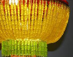 Escultura feita com Gummy Bear por Chou YaYa