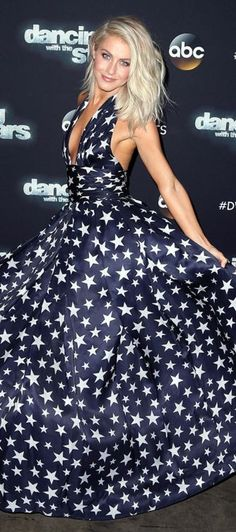 Who made  Julianne Hough's blue star print gown?