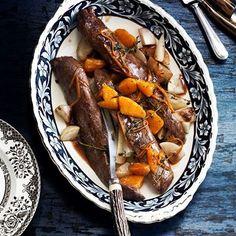 Recept voor hazenrug à l'orange. Met de recepten van ZTRDG.nl zet je in een handomdraai iets feestelijks op tafel. Lees meer op ZTRDG.nl.